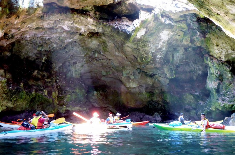 kayaking in Polignano's cave - Puglia & Salento by kayak!