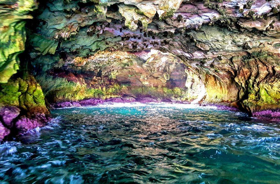 Polignano - cave's colours
